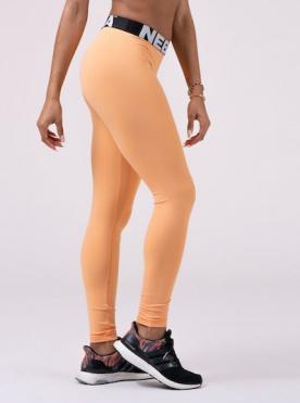 Nebbia Squad Hero Scrunch Butt leggings apricot 528