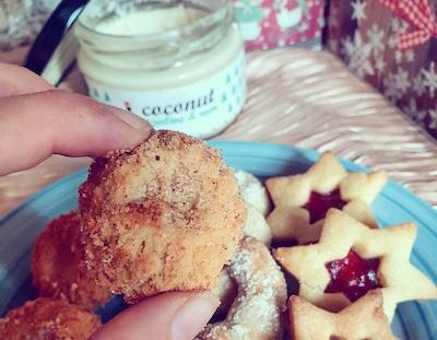 Vánoční cukroví - proteinové kokosovo ořechové kuličky