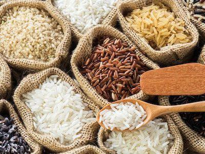 Proč (ne)jíst bílou rýži. Je hnědá rýže zdravější?