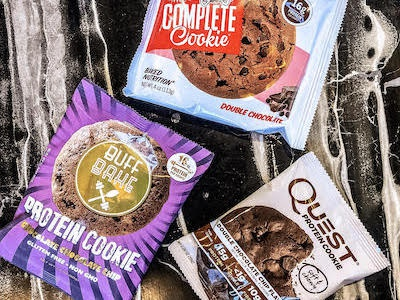 Která proteinová cookie je nejlepší? Souboj proteinových cookiesek.