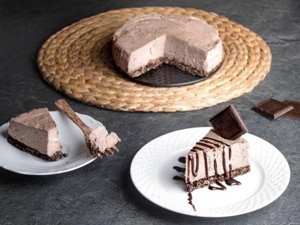 Zdravý nepečený lehký dort s čokoládou a proteinem