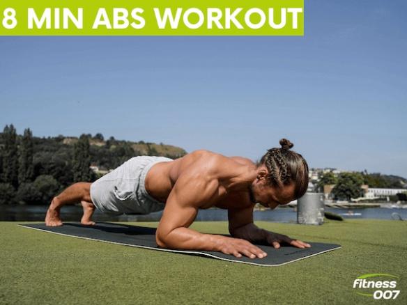 8 minut workout na břicho. Nejlepší cviky na břišní svaly. Celé tréninkové video.