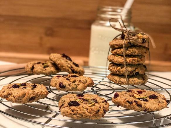 Rychlé zdravé cookies. Jak snadno upéct arašídové sušenky?