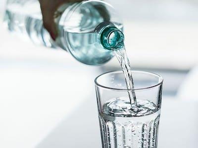 Pitný režim vs. Správný pitný režim. Hydratace, dehydratace, hyperhydratace.